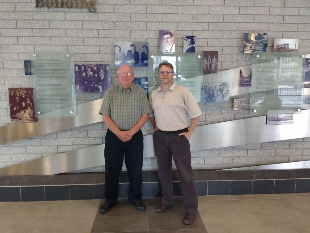 De gauche à droite : Steve Smith (professeur à temps partiel à Telfer) et Dennis Buttera (IBM)